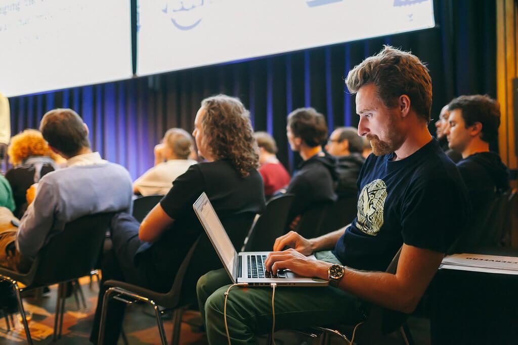 MBAとかどうでもいいからコードを書けるようになれ(Flickr)