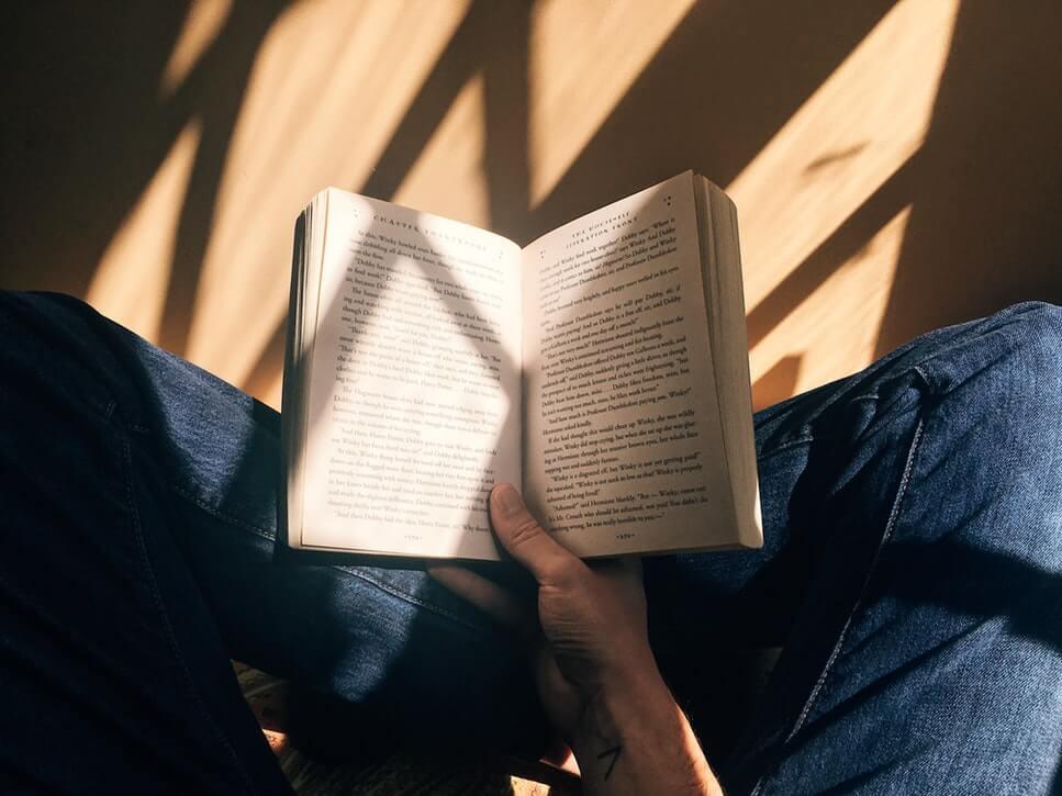 ビル・ゲイツは年間に50冊以上の本を読む