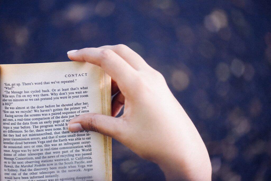 みんなが読んでいる本だけを読んでいても、庶民にしかなれない