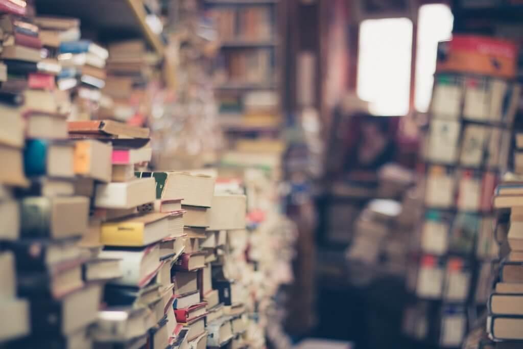 仕事が忙しくて読書をする時間がないのなら、お金を払って読書する時間を買えばいい