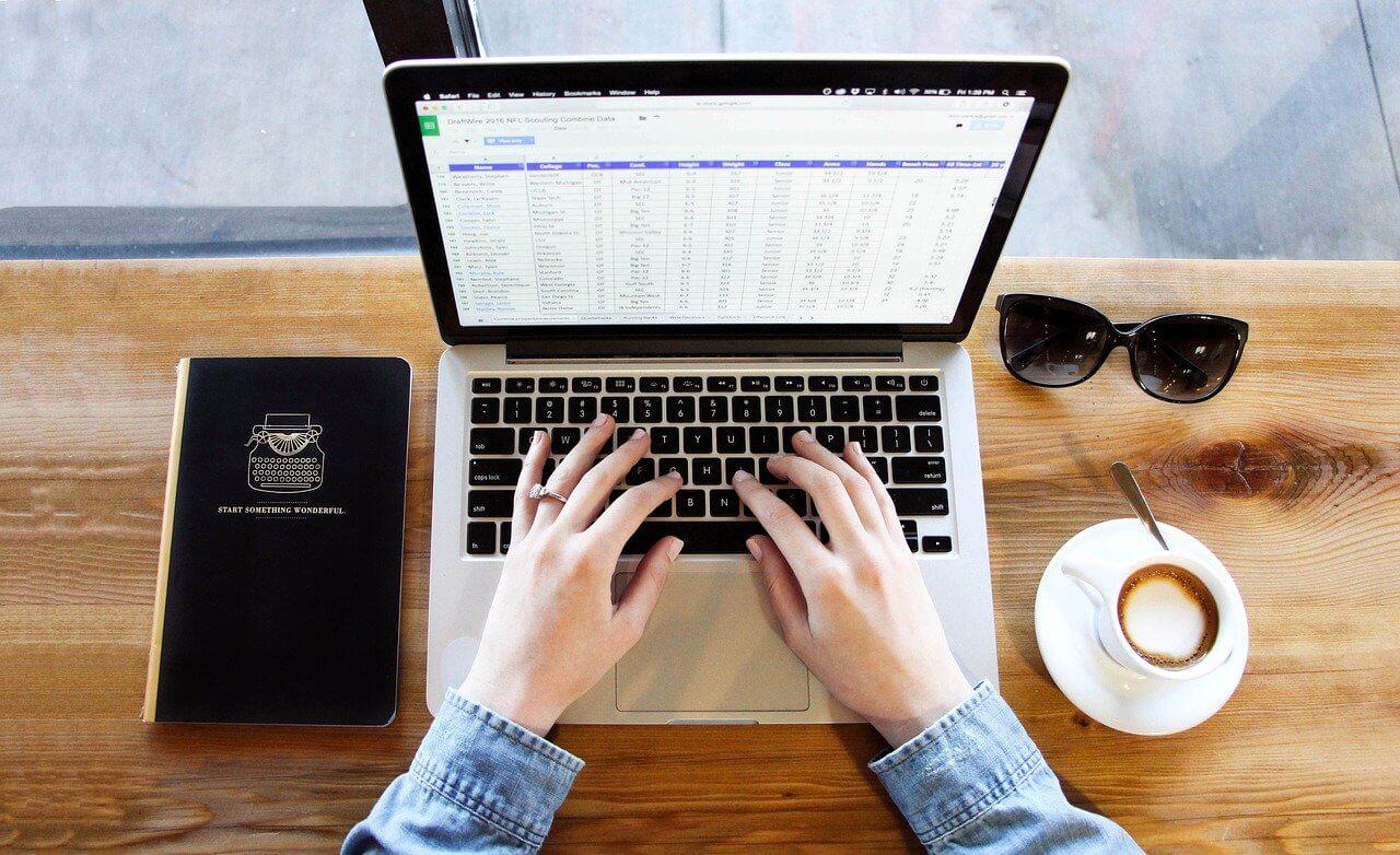 転職サイトと転職エージェントはどう違う?20代におすすめなのはどっち?