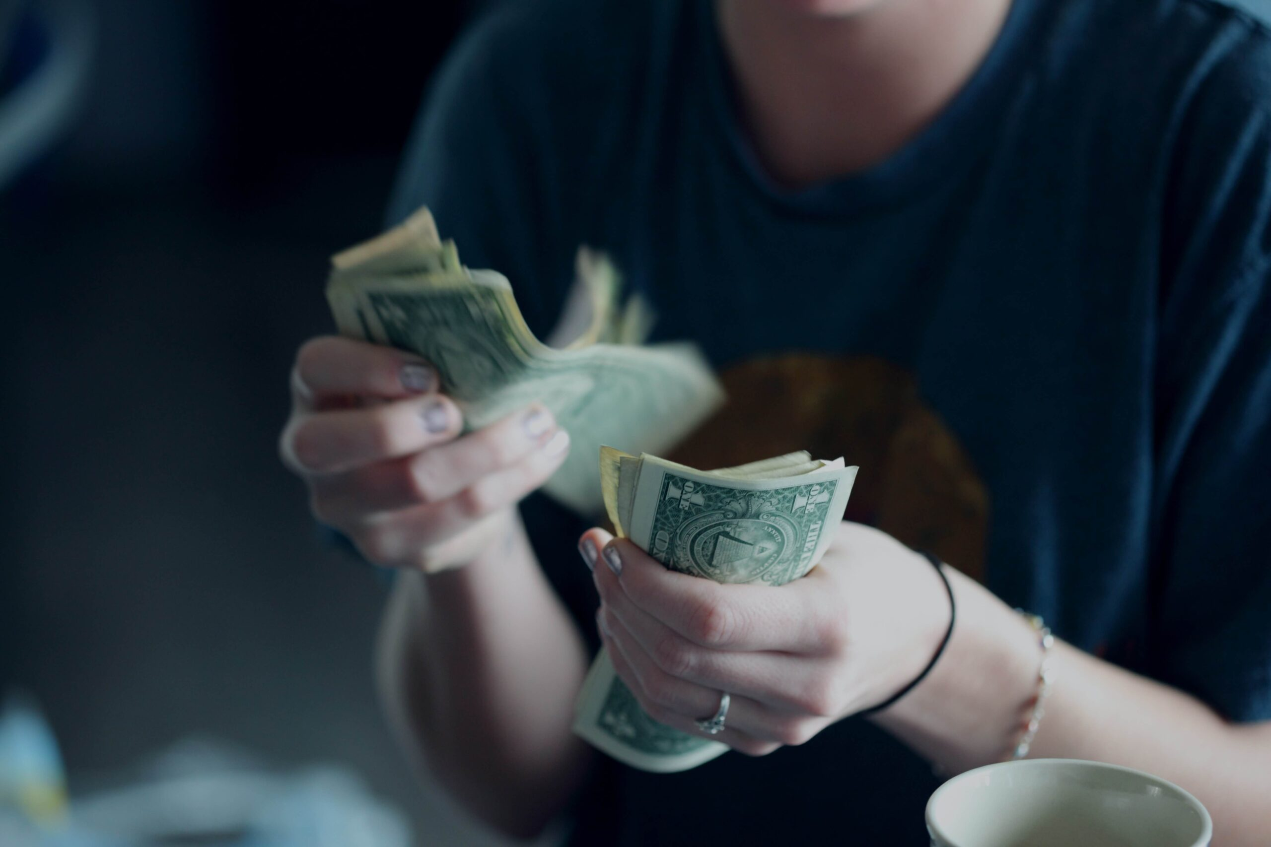 社会人5年目の年収や貯金はいくら?お金事情を紹介